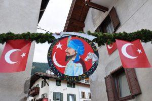 Italyada Bir Turk Koyu Moena 2 810x540